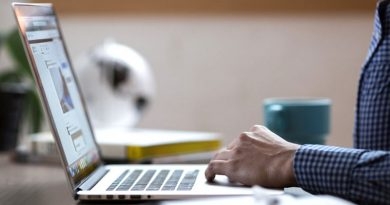 Sign up for online services and save time says government